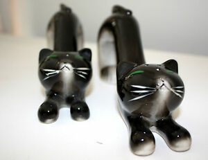 Vintage-1950s-Long-Cat-Salt-and-Pepper-Shakers-Black-White-Stretching-WALES
