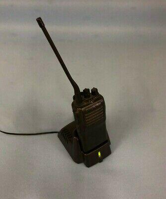 Vertex Standard Vx-231-g7-5 Uhf 2-way Radio Walkie Talkie W Rapid Charger 7b