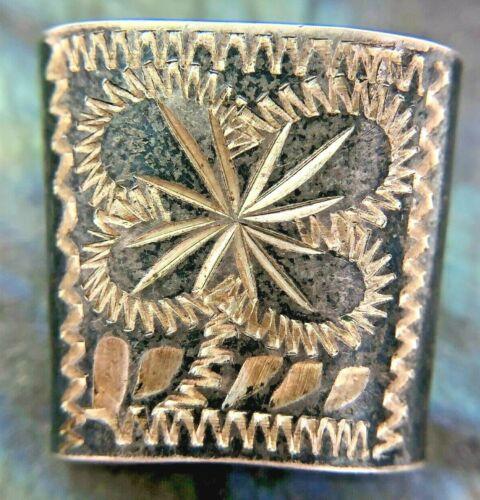 Vintage Sterling Silver Etched Flower Decorative Scarf Holder 4.1 Grams