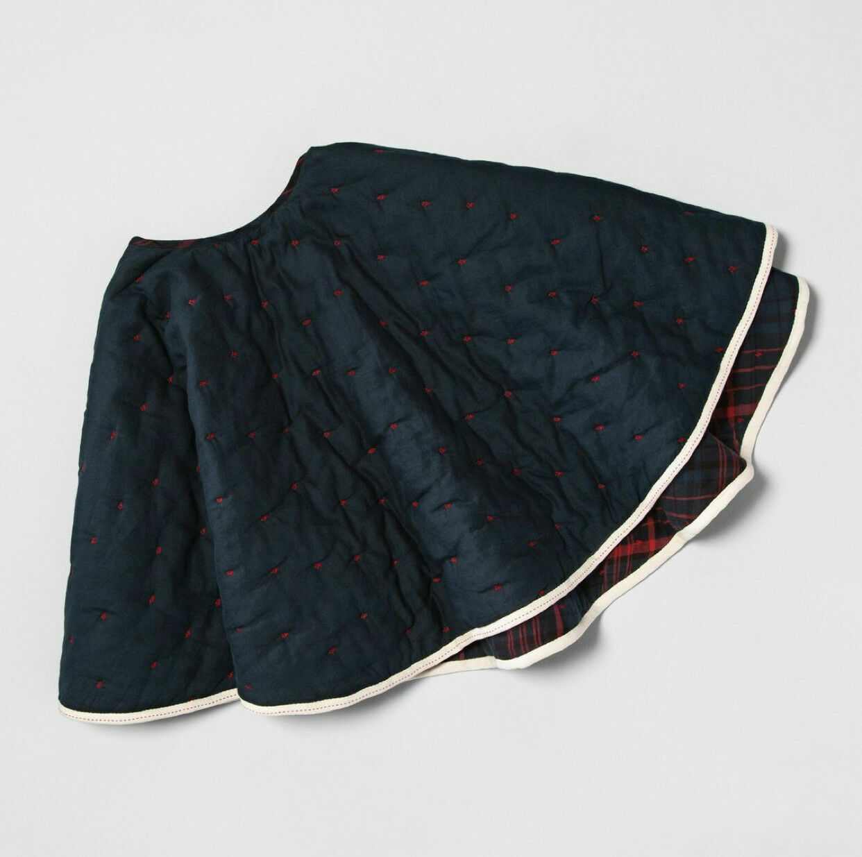 NEW Hearth and hand with Magnolia Reversible Plaid Embroidered Tree Skirt Holiday & Seasonal Décor