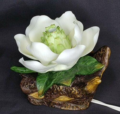 Vintage Porcelain Y.H. 1997 Magnolia Bloom Table Lamp Night Light