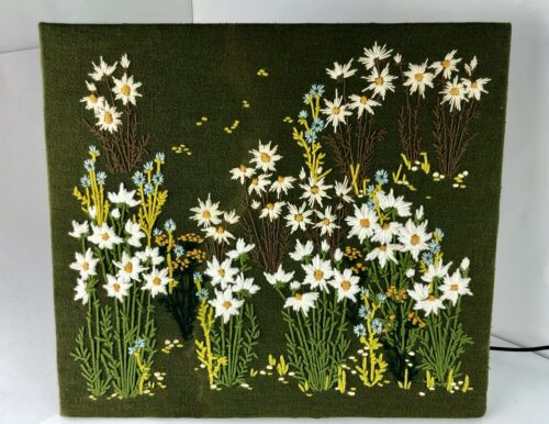 Vintage Crewel 1975 Daisy Flowers Finished