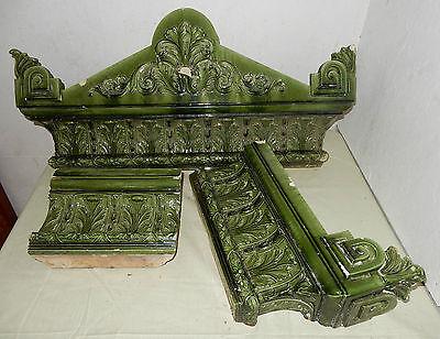 Teile Kachelofen Krone Keramik grün Gründerzeit vor 1900