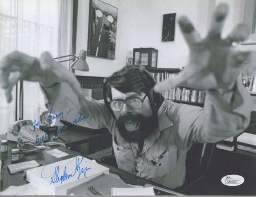 STEPHEN KING HAND SIGNED 8x11 PHOTO        INCREDIBLE POSE+VERY RARE       JSA