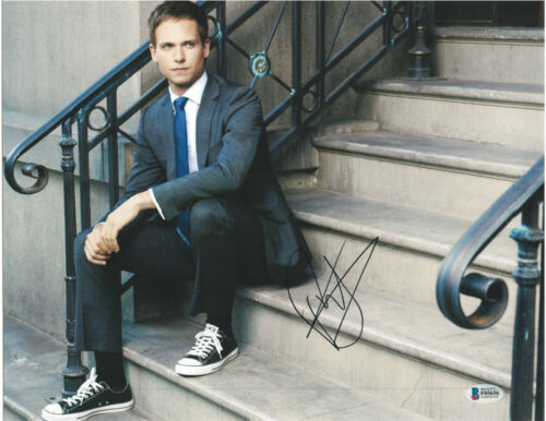 PATRICK J ADAMS SIGNED 11X14 PHOTO SUITS MIKE ROSS BECKETT BAS AUTOGRAPH AUTO C