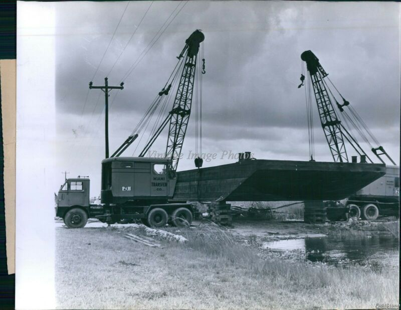 1961 Cranes Lift Barges From Canal To Everglades Rock Piti Business Photo 8X10