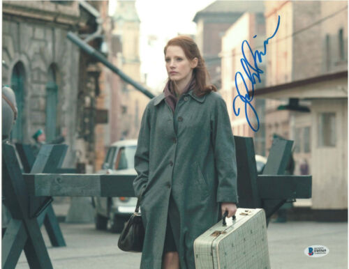 JESSICA CHASTAIN SIGNED 11X14 PHOTO THE DEBT BECKETT BAS AUTOGRAPH AUTO B