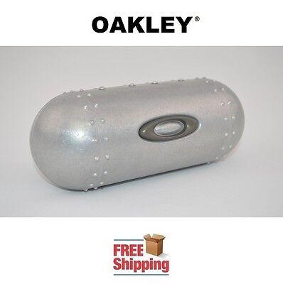 OAKLEY® SUNGLASSES EYEGLASSES LARGE METAL HARD STORAGE CASE NEW FREE SHIPPING