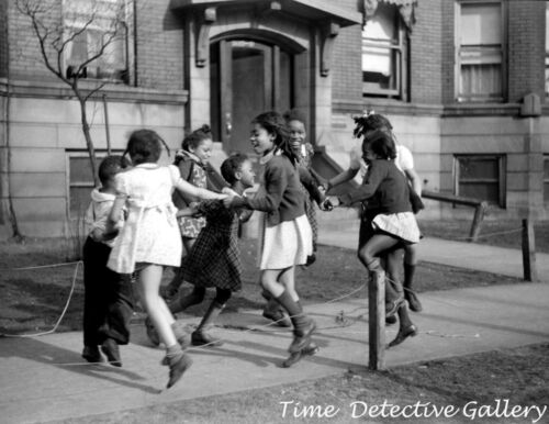 African American Girls Playing, Chicago, Illinois - 1941 - Vintage Photo Print