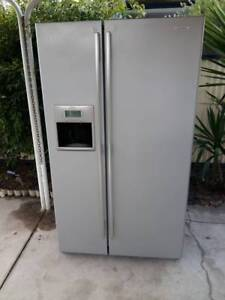 Westinghouse stainless steel fridge/freezer, 700 ltrs