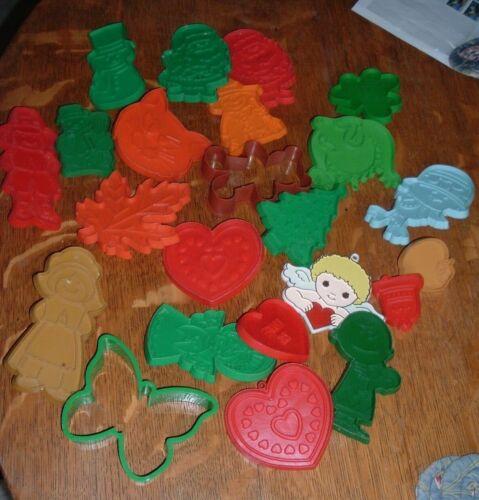 23 Vintage Hallmark Christmas Cookie Cutters Holiday Dinosaur Butterfly Bear