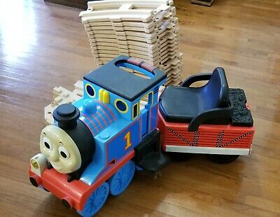 Thomas The Train Ride On with factory track and expansion track Peg