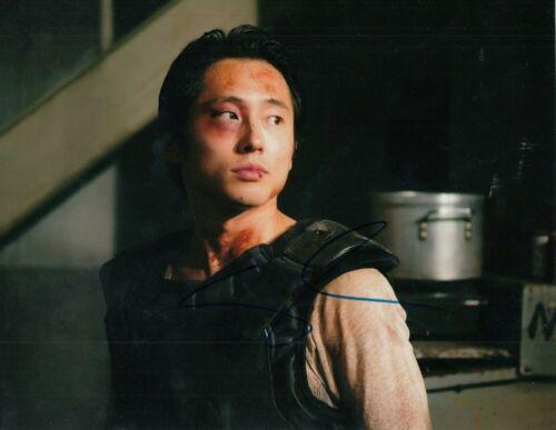 STEVEN YEUN signed (THE WALKING DEAD) TWD TV SHOW 8X10 photo Glenn Rhee W/COA #3