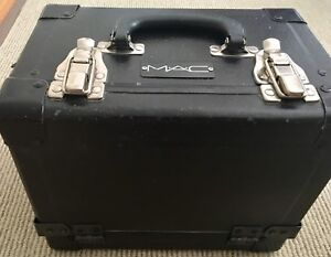 MAC COSMETICS PRO MAKEUP ARTIST SUPPLIES PREVIOUSLY OWNED