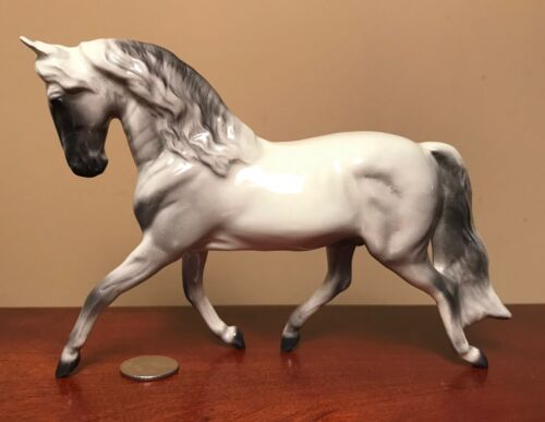 Hagen-Renaker Specialty #4050 SPANISH HORSE - Ceramic Andalusian Figurine