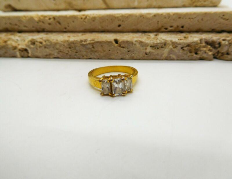 Vintage White Crystal Rhinestone Triple Stone Gold Tone Ring Size 6 M32