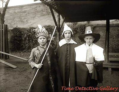 Kids Thanksgiving Costumes (Kids in Thanksgiving Pilgrim Costumes - 1920 - Historic Photo)