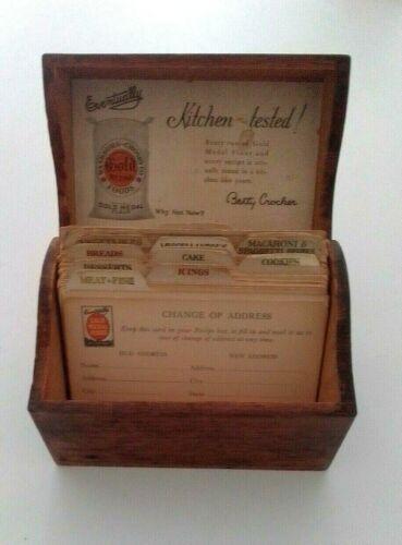 Antique 1920s GOLD MEDAL FLOUR OAK RECIPE BOX & CARDS Betty Crocker Home Service