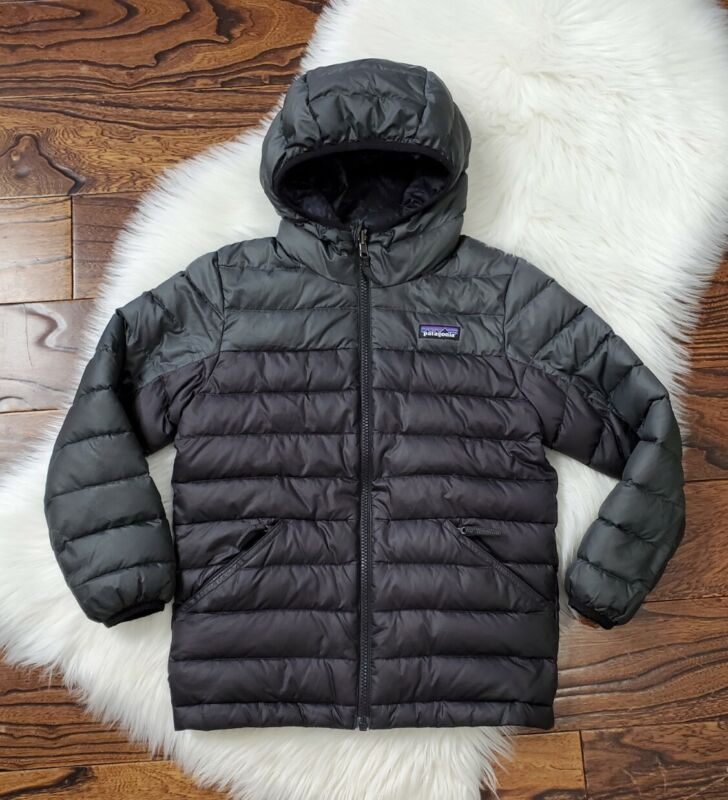 Patagonia Boys size Small 7/8 Full Zip Hooded Winter Jacket Reversible Gray