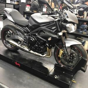 2016 Triumph Street Triple R - like new