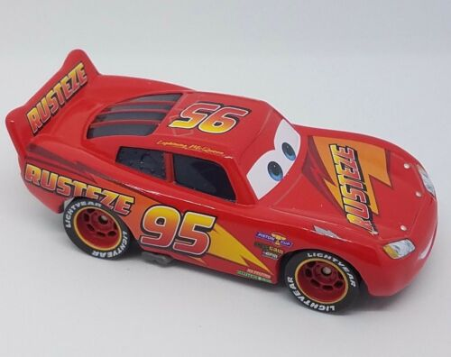 Disney PIXAR Cars 3 Lightning McQueen as CHESTER WHIPPLEFILTER race car LOOSE