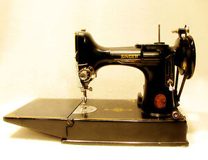 Singer Featherweight  Sewing Machine 1950 Vintage CAT 3-120 678-3A Motor AJ