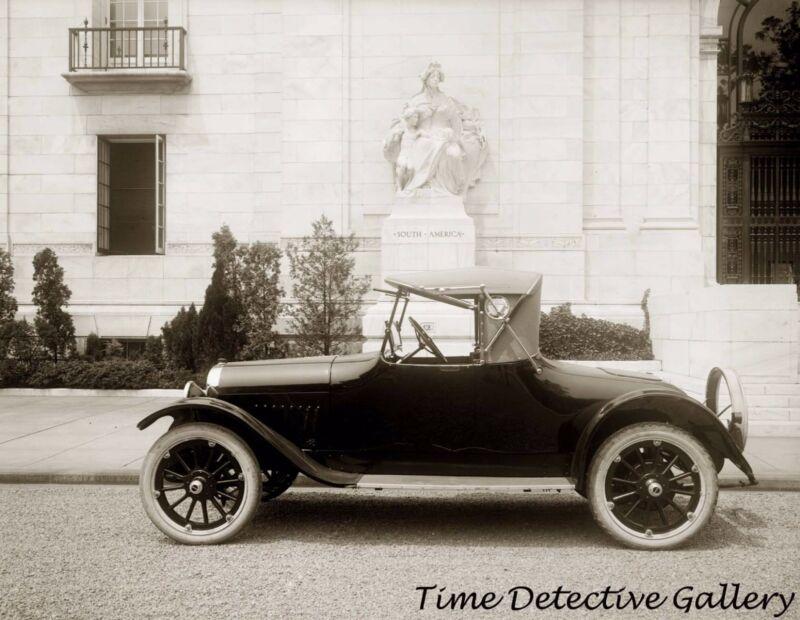 An Oakland Motor Car - circa 1920 - Historic Photo Print