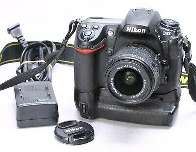 NIKON D300 BODY W/ GRIP, 18-55MM G VR II LENS - 17K CLICKS, usado segunda mano  Embacar hacia Mexico