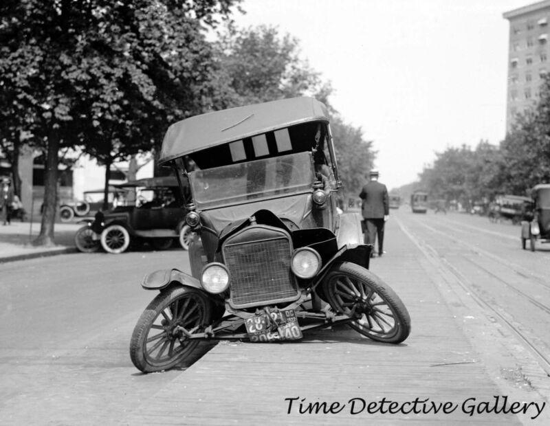 Vintage Car Accident - 1922 - Historic Photo Print
