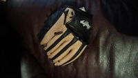 Kids right hand baseball glove
