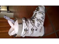 Ladies Head Ski Boots size 6 1/2 narrow fit
