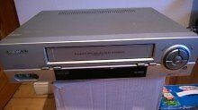 Daewoo vcr video player and recorder