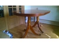 Table (yewtree wood) extendable and 6 chairs
