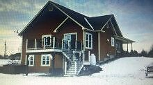 2006 ,Walk out Bungalow on large lot