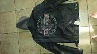 Harley Davidson leather jacket size Medium
