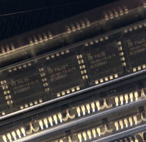 PALCE16V8H-15JC/4 IC SPLD Simple E²PLD Programmable Array Logic 20 PIN PLCC