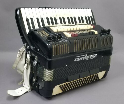 Cordovox Accordion - Professional Musician Tune Toppers, Vagabonds