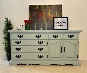 Free delivery/ beautiful farmhouse dresser