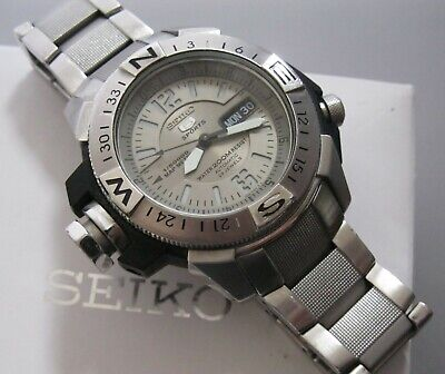 Seiko 5 Sport Automatic 23 Jewel Divers Watch/Map Meter Day/Date Stainless BOXED