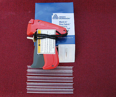 Avery Dennison Fine Price Tag Gun  500 14 Barb  1 Ext Needle