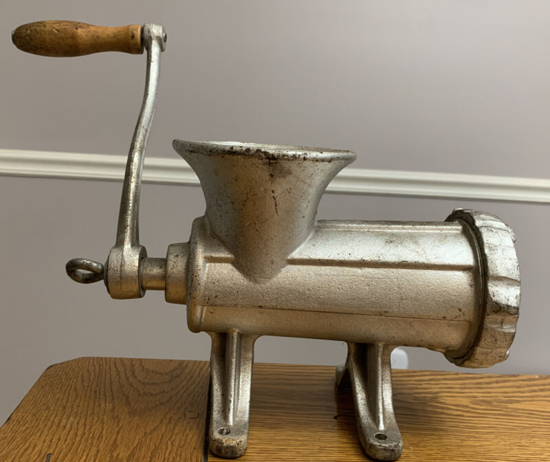 Vtg Heavy Duty Wood Hand Crank No. 22 Meat Grinder Table Top Bolt Down (C2)