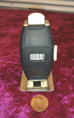 Vintage 4 Digit Manual Counter Push Button & Stand~Desk Reception Sports Retail