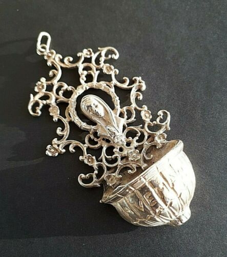 Antique 800 Silver TRAVELLING HOLY WATER Virgin. Probably German. Late 1800´s