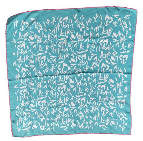 Superbe  carre foulard chanel soie
