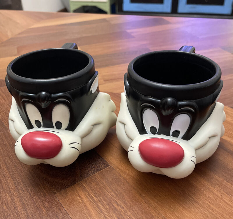Looney Tunes Collector's Cups Sylvester Set Of Two