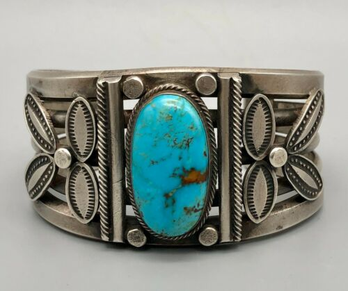 Radiant Handmade Turquoise and Sterling Silver Bracelet