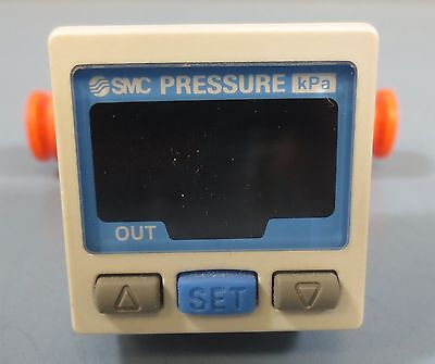 Smc Digital Pressure Switch Zse30-ti-65 Used