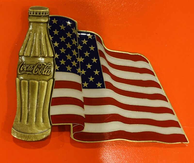 2007 Coca-Cola Veterans Day RARE Challenge Coin! Gold Toned With USA Flag!