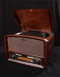 Electrohome Signature Vinyl Record Player - BRAND NEW NEVER USED