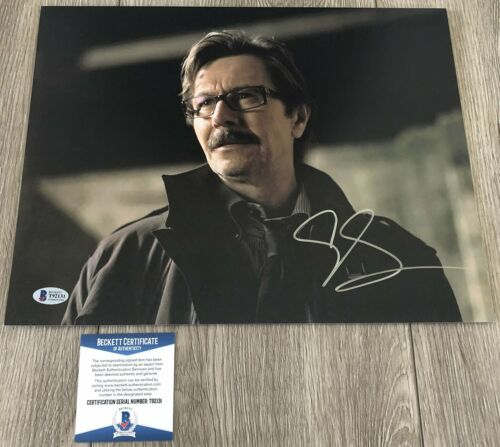 GARY OLDMAN SIGNED THE DARK KNIGHT RISES 11x14 PHOTO w/PROOF & BAS BECKETT COA
